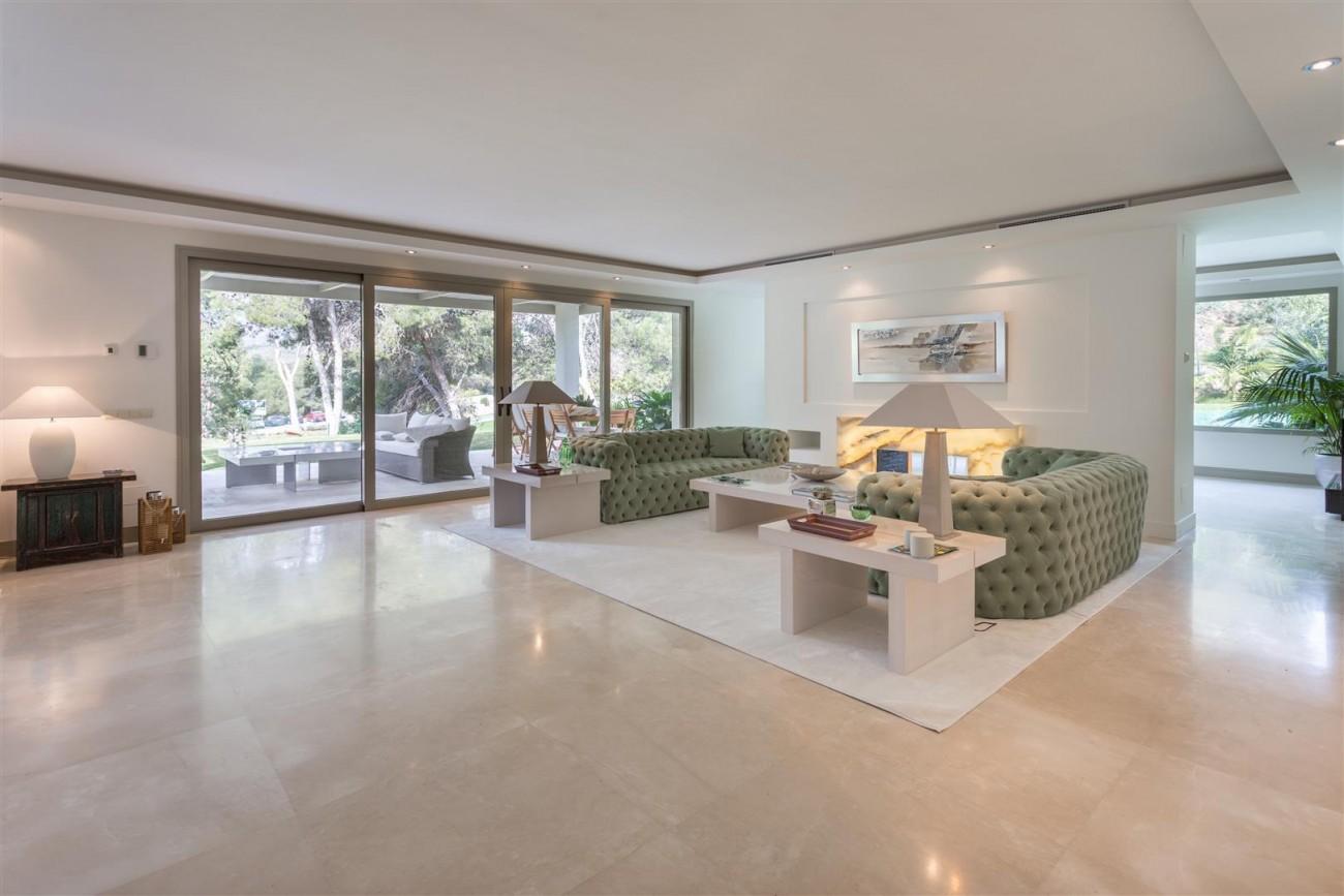 V5606 Luxury frontline golf villa Marbella 2 (Large)