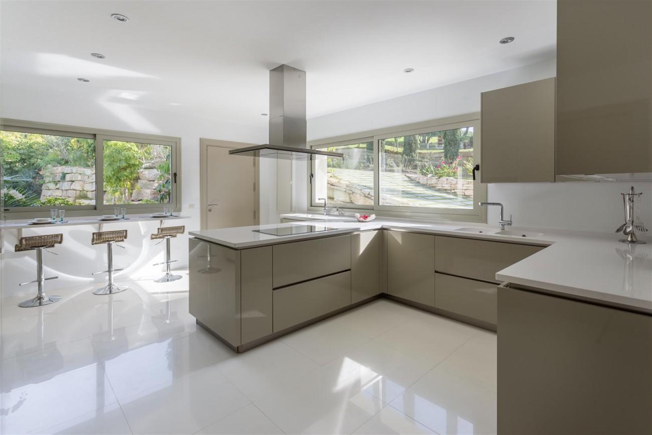 V5606 Luxury frontline golf villa Marbella 4 (Large)