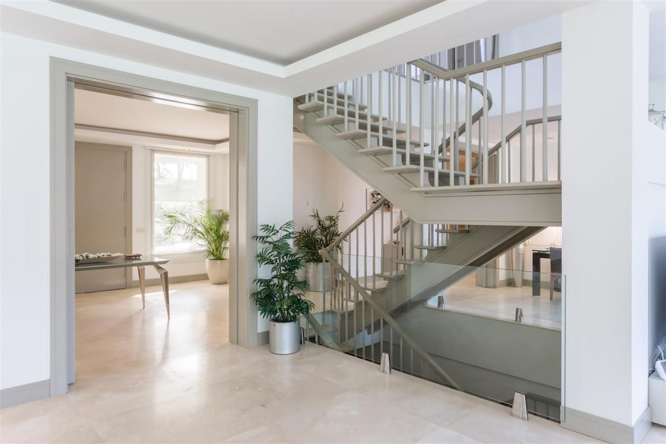 V5606 Luxury frontline golf villa Marbella 6 (Large)