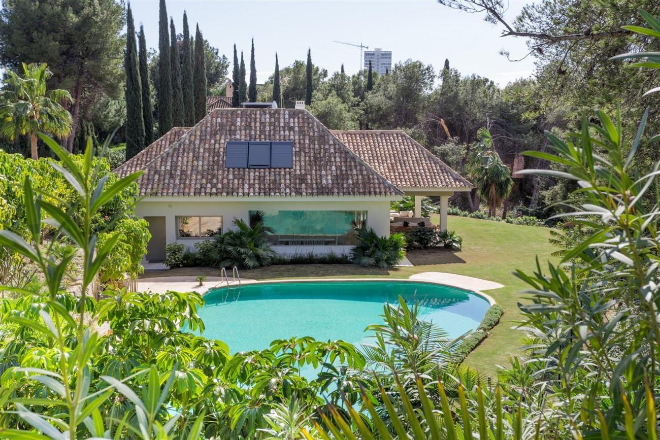 V5606 Luxury frontline golf villa Marbella 8 (Large)