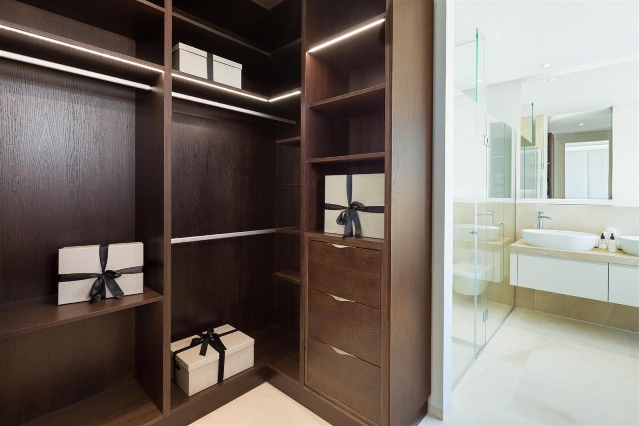 Modern Contemporary Villas for sale close to Puerto Banus Spain (20) (Large)