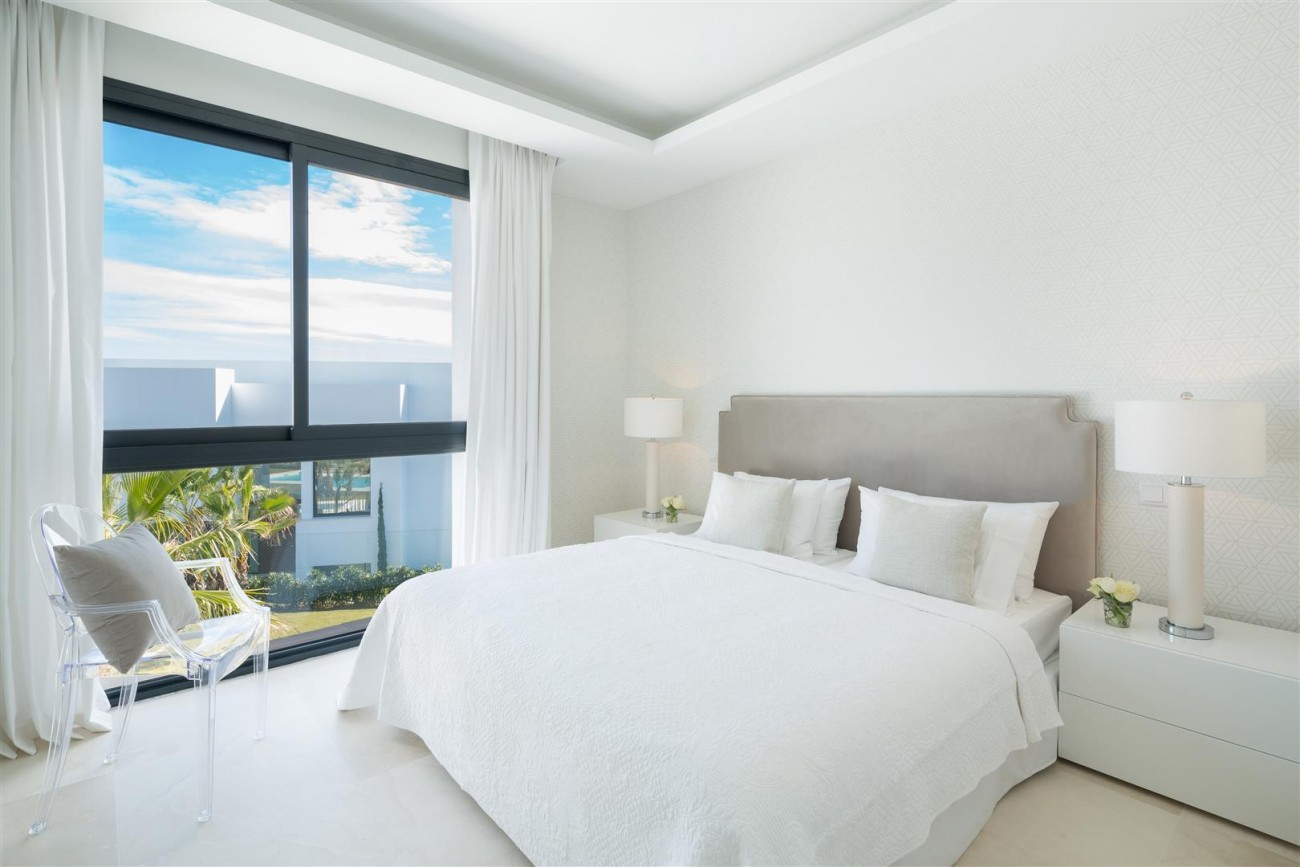 Modern Contemporary Villas for sale close to Puerto Banus Spain (13) (Large)