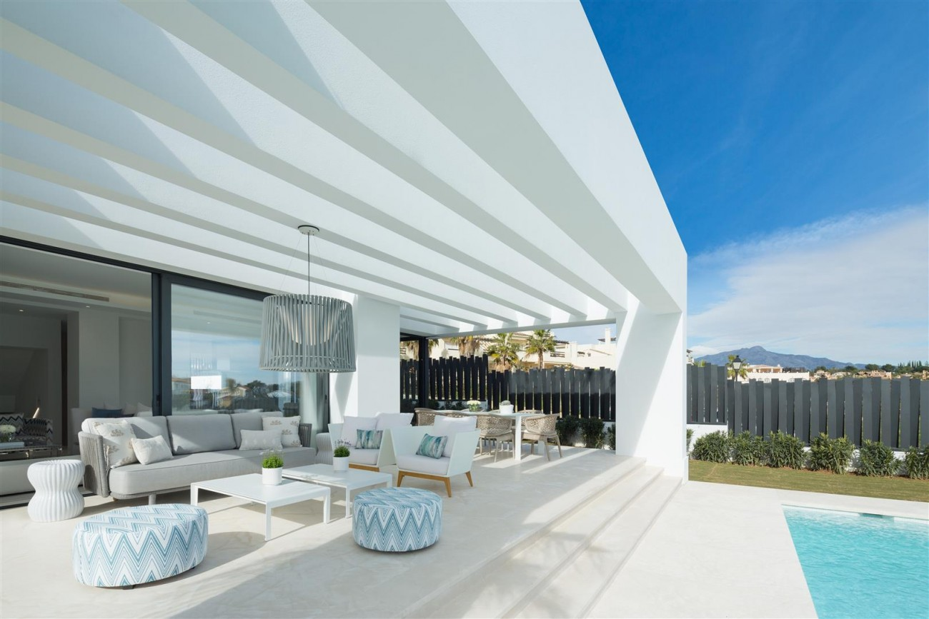 Modern Contemporary Villas for sale close to Puerto Banus Spain (12) (Large)