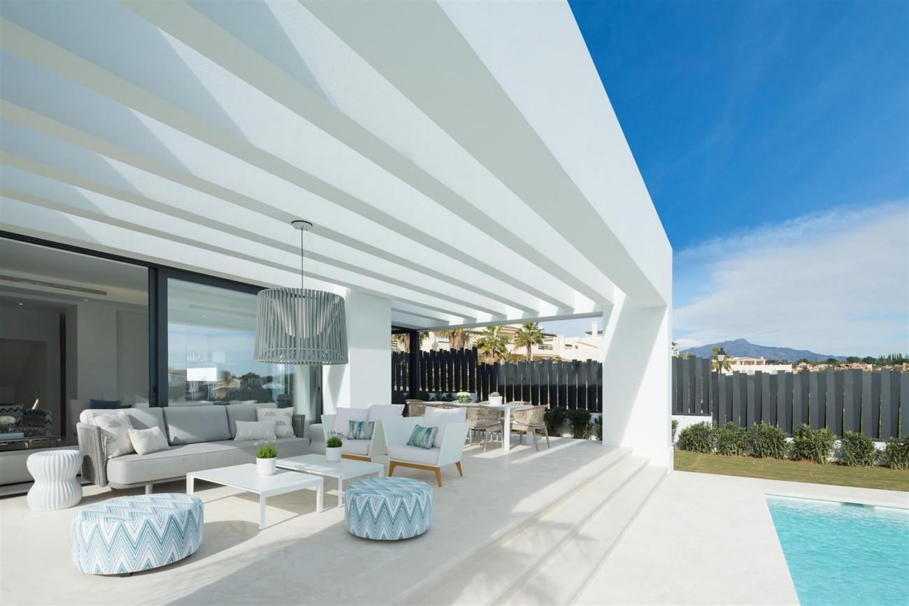 Modern Contemporary Villas for sale close to Puerto Banus Spain (12) (Large)