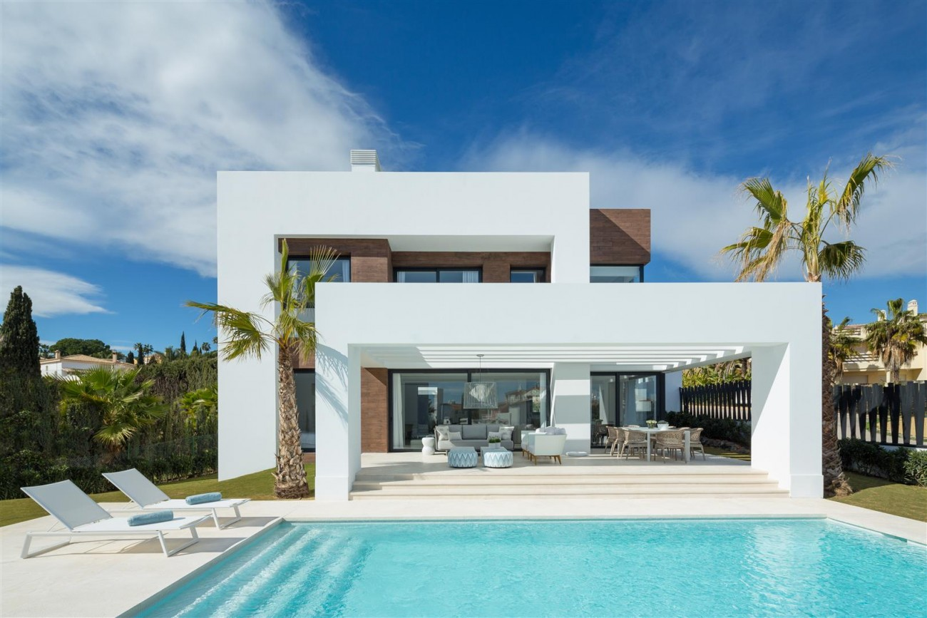 Modern Contemporary Villas for sale close to Puerto Banus Spain (11) (Large)