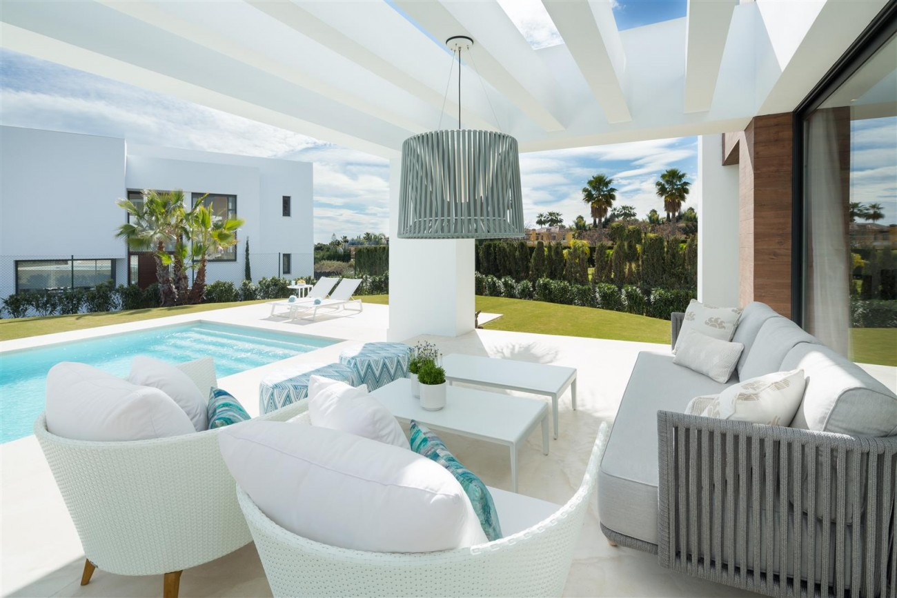 Modern Contemporary Villas for sale close to Puerto Banus Spain (10) (Large)