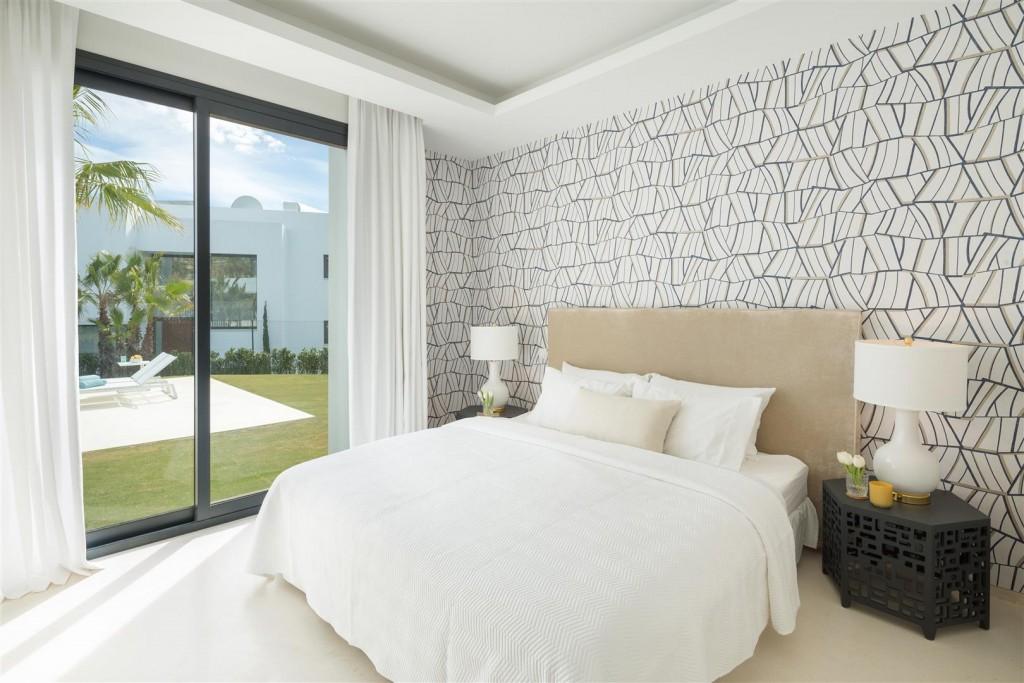 Modern Contemporary Villas for sale close to Puerto Banus Spain (8) (Large)