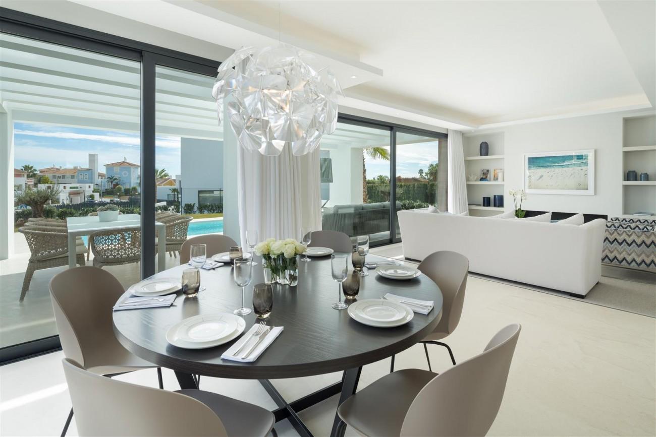 Modern Contemporary Villas for sale close to Puerto Banus Spain (6) (Large)