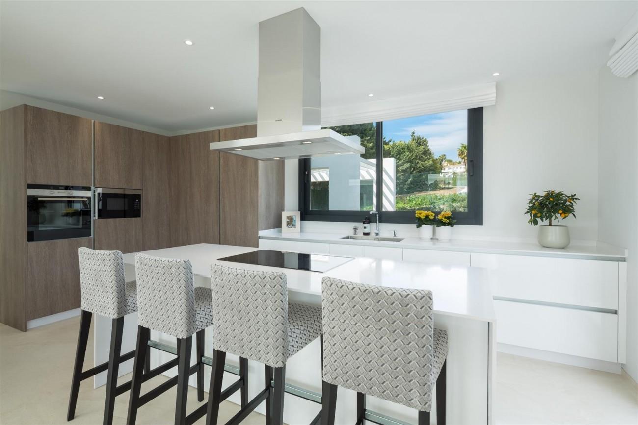 Modern Contemporary Villas for sale close to Puerto Banus Spain (5) (Large)