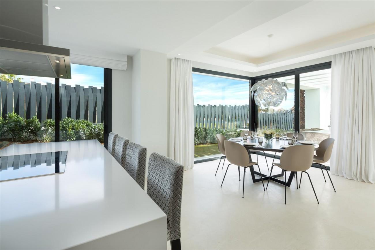 Modern Contemporary Villas for sale close to Puerto Banus Spain (4) (Large)