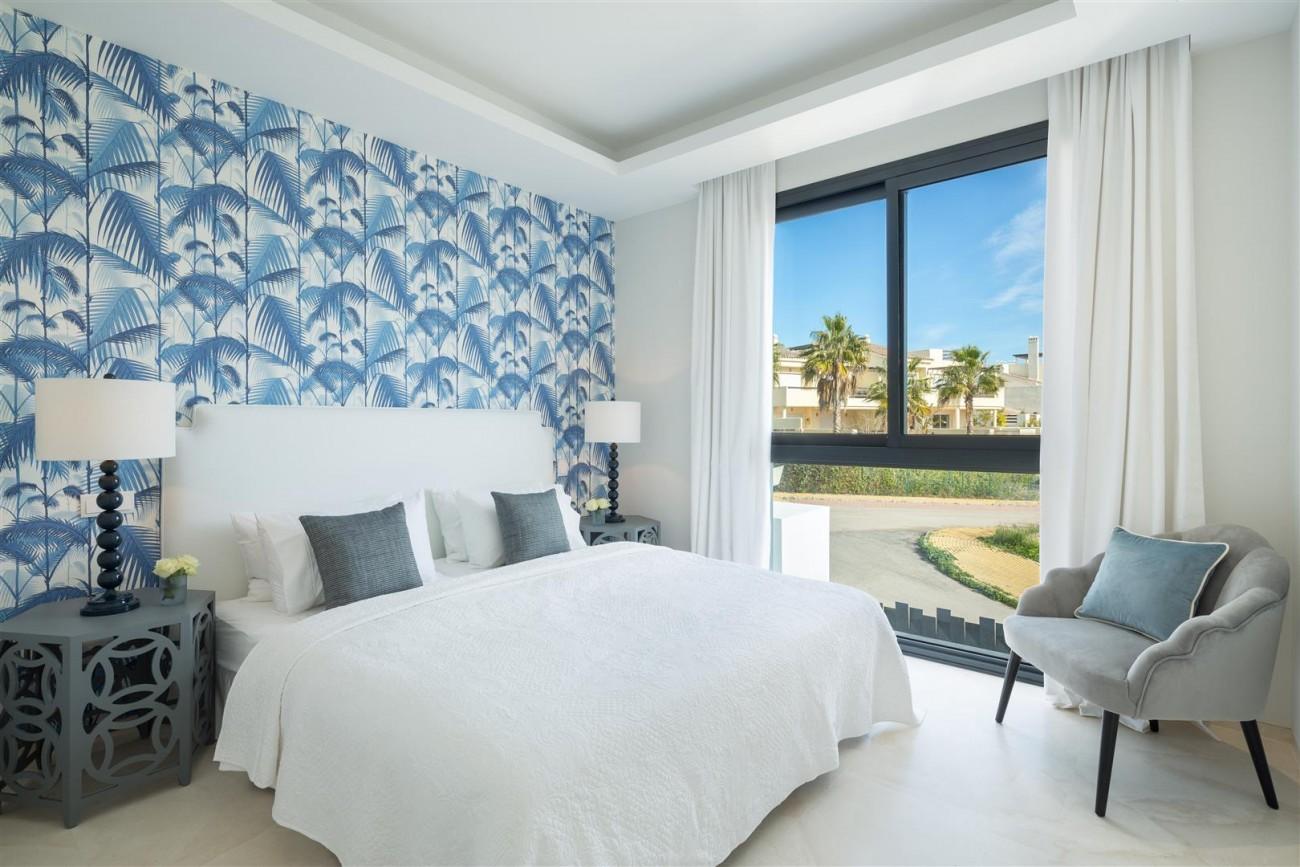Modern Contemporary Villas for sale close to Puerto Banus Spain (3) (Large)