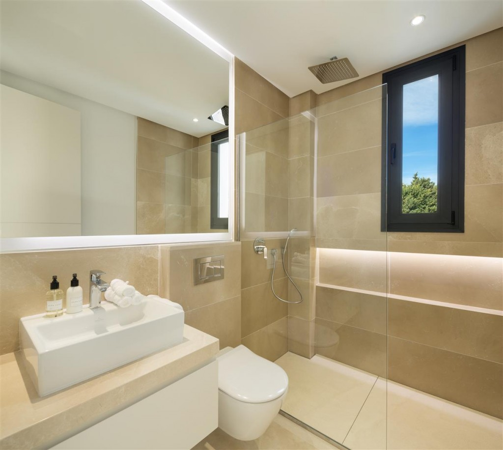 Modern Contemporary Villas for sale close to Puerto Banus Spain (2) (Large)