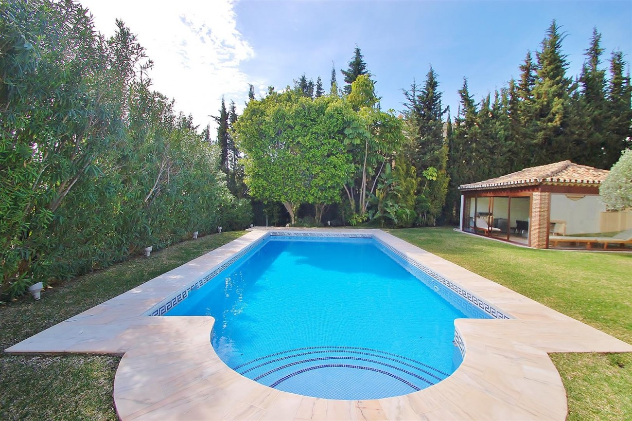 V5609 Luxury villa Sierra Blanca 3 (Large)