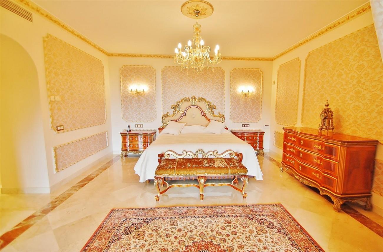 V5609 Luxury villa Sierra Blanca 4 (Large)