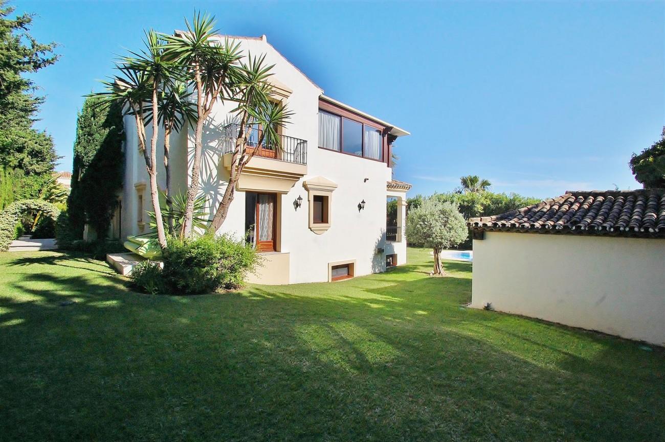 V5609 Luxury Villa Marbella Golden Mile (2) (Large)