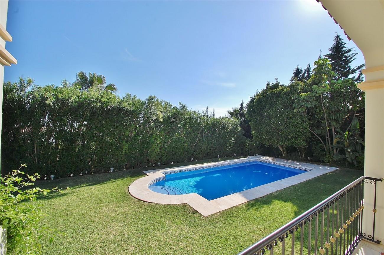 V5609 Luxury Villa Marbella Golden Mile (7) (Large)