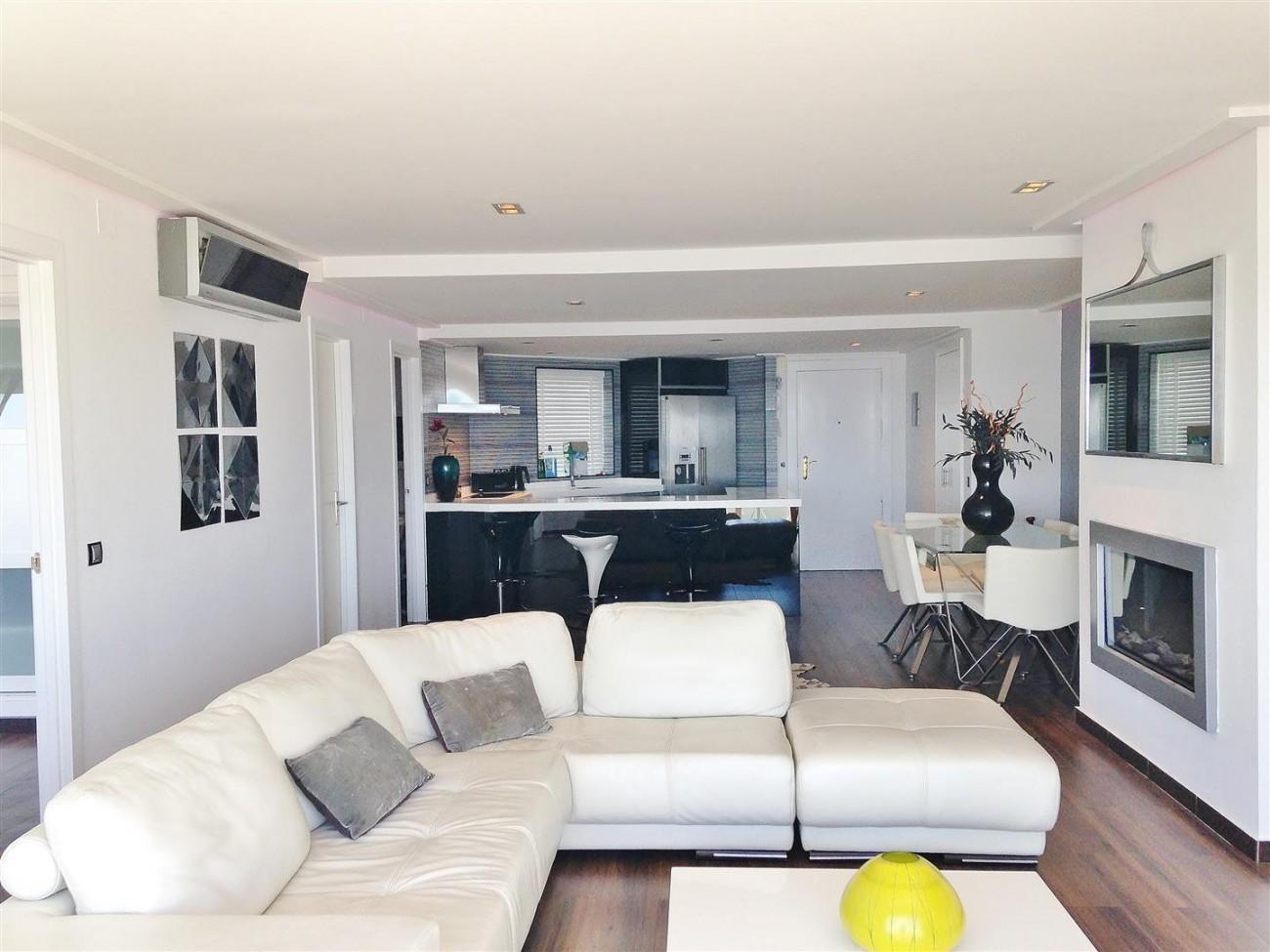 A5613 Modern apartment Puerto Banus 12 (Large)