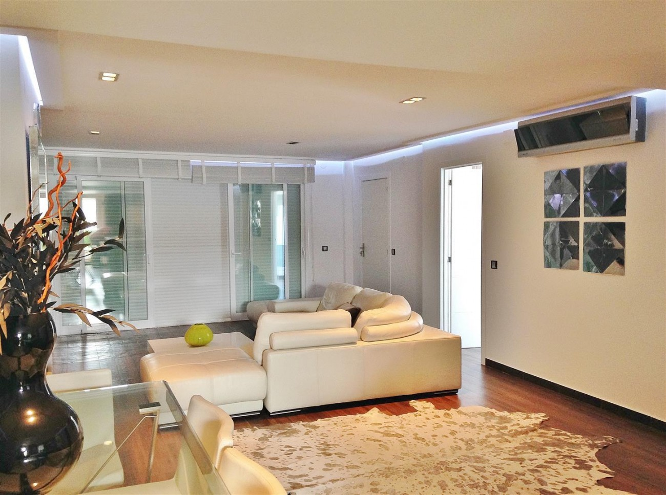 A5613 Modern apartment Puerto Banus 2 (Large)
