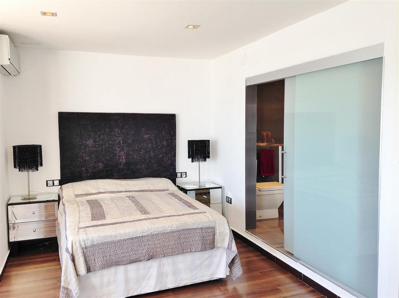 A5613 Modern apartment Puerto Banus 4 (Large)