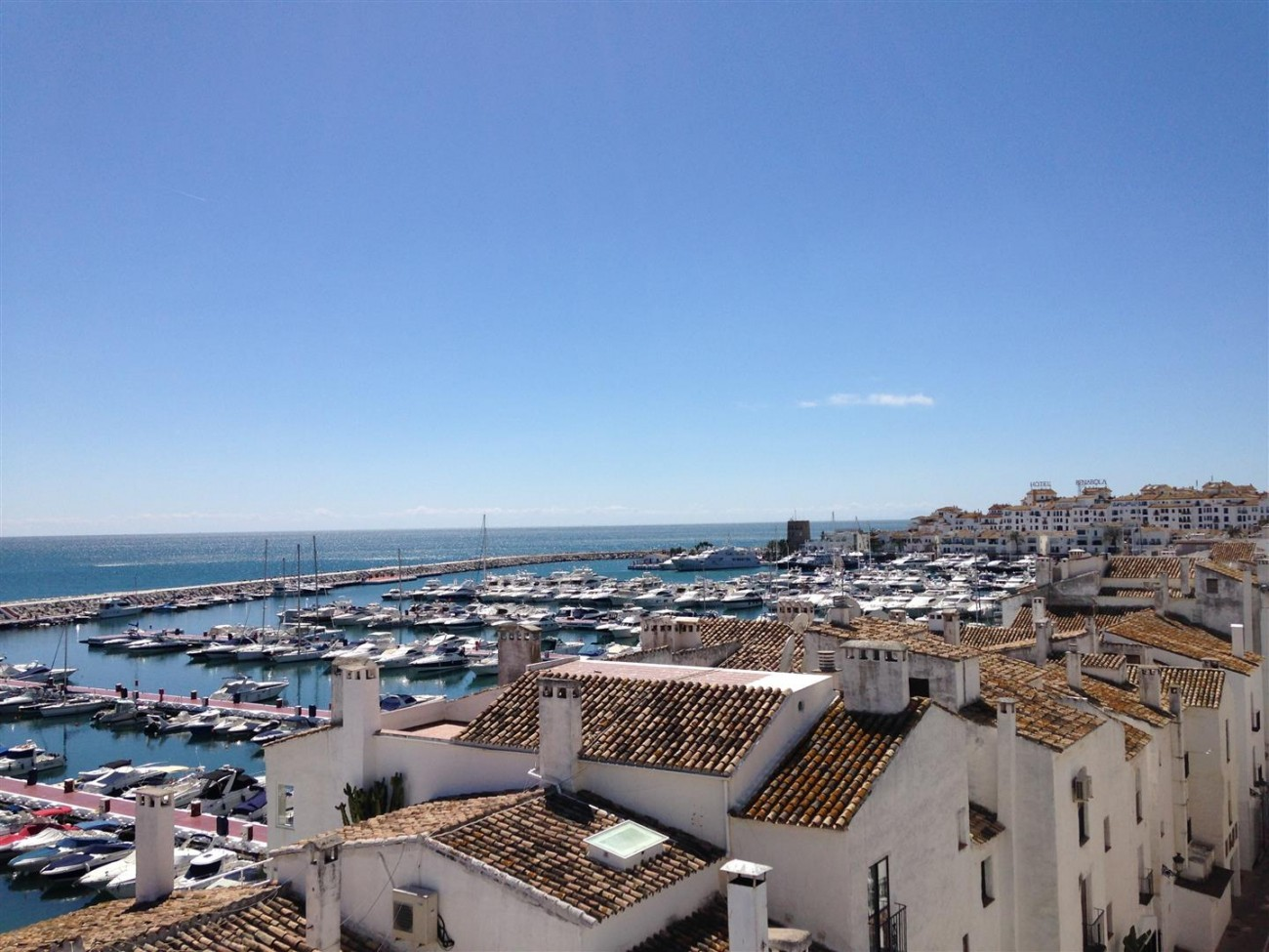 A5613 Modern apartment Puerto Banus 10 (Large)