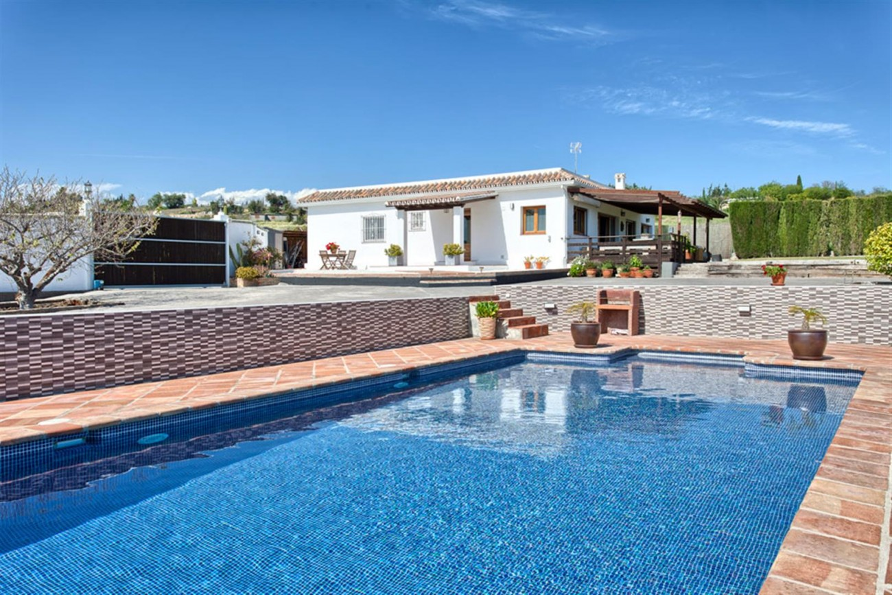 V5612 Country villa close to amenities 1 (Large) - copia