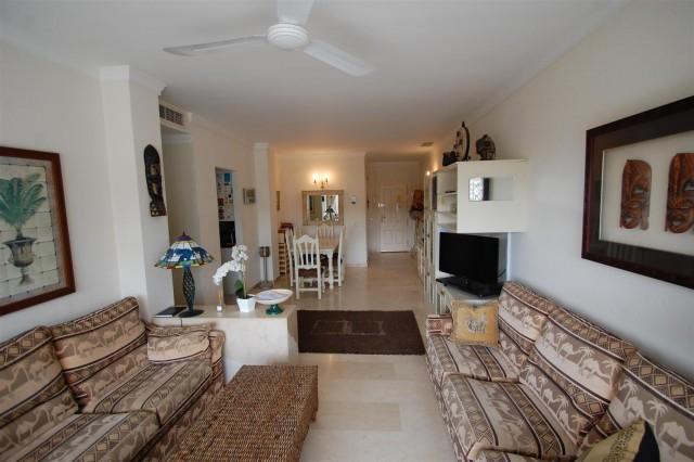 Apartment for Sale - 295.000€ - La Quinta Golf, Costa del Sol - Ref: 5615