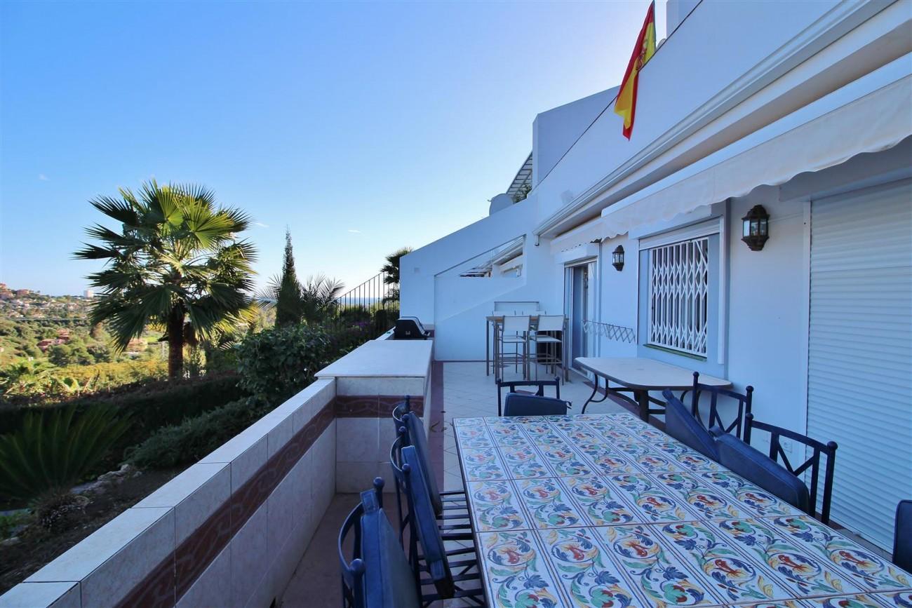 Ground floor Apartment for sale La Quinta Benahavis Spain (11) (Large)