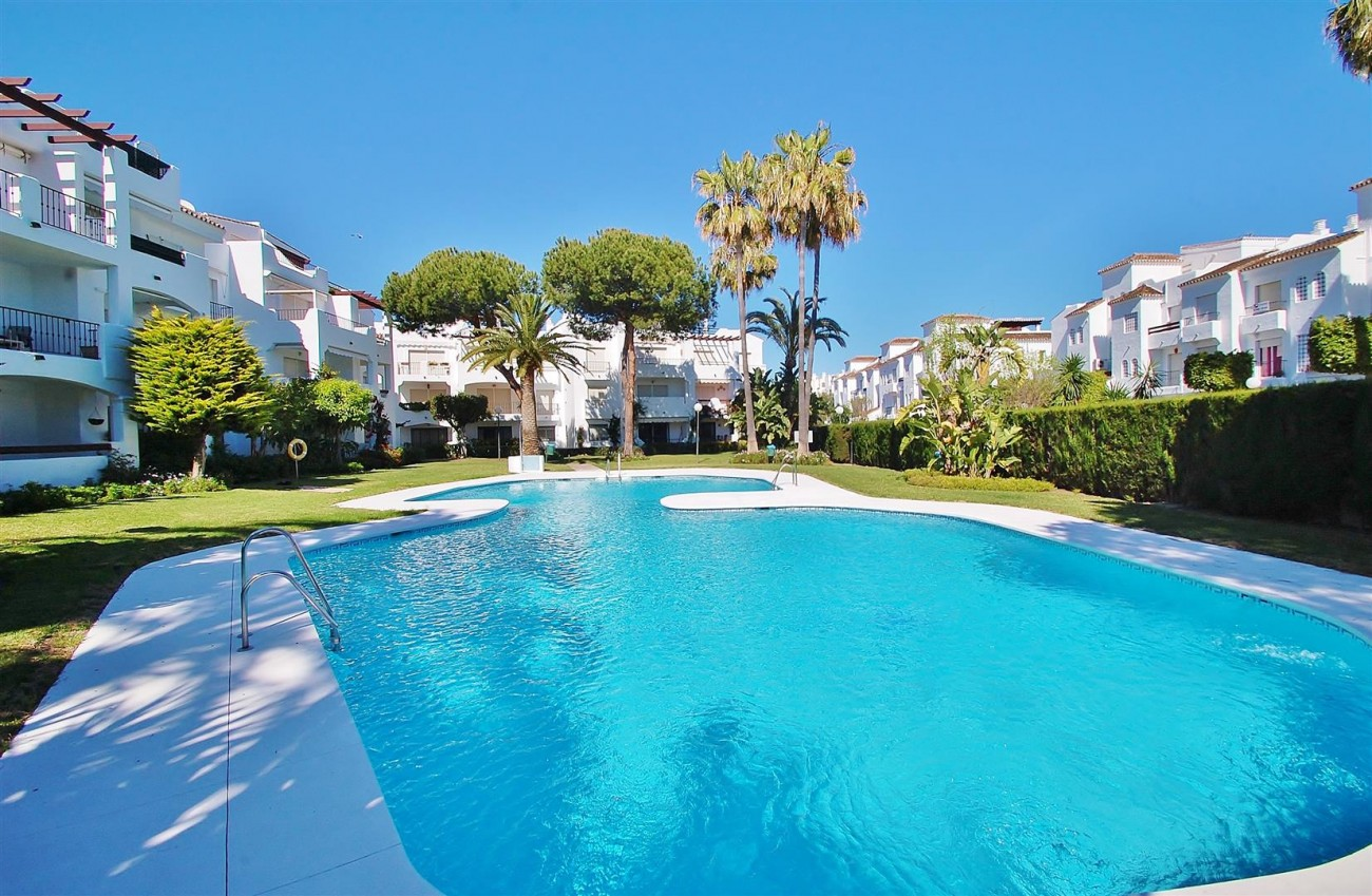 A5616 Beachside ground floor apartment Estepona 1 (Large)