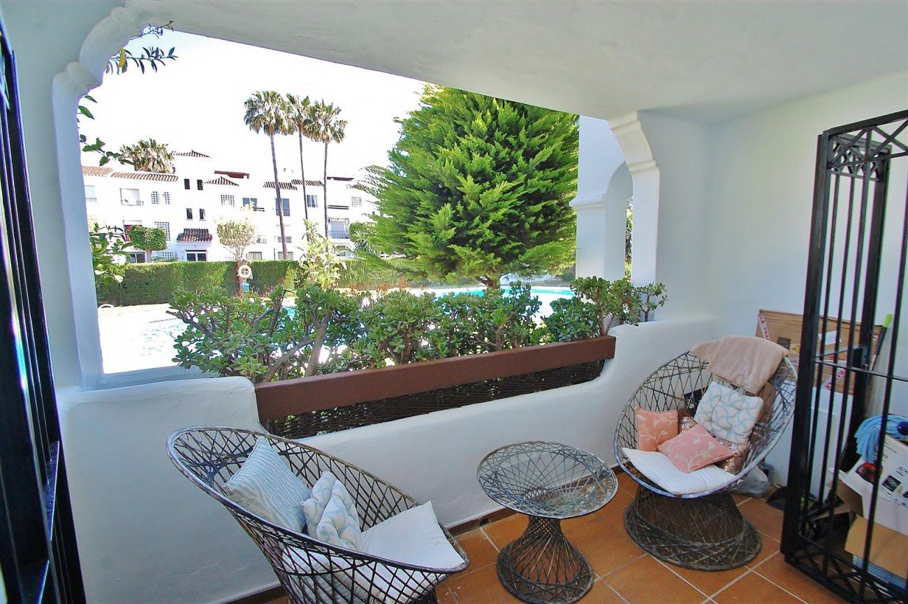 A5616 Beachside ground floor apartment Estepona 2 (Large)
