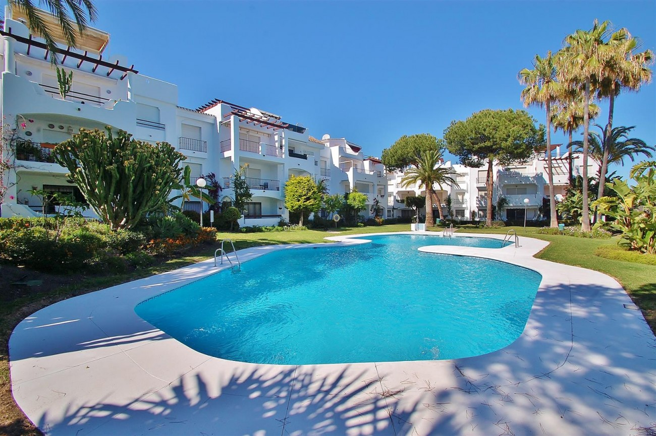 A5616 Beachside ground floor apartment Estepona 7 (Large)
