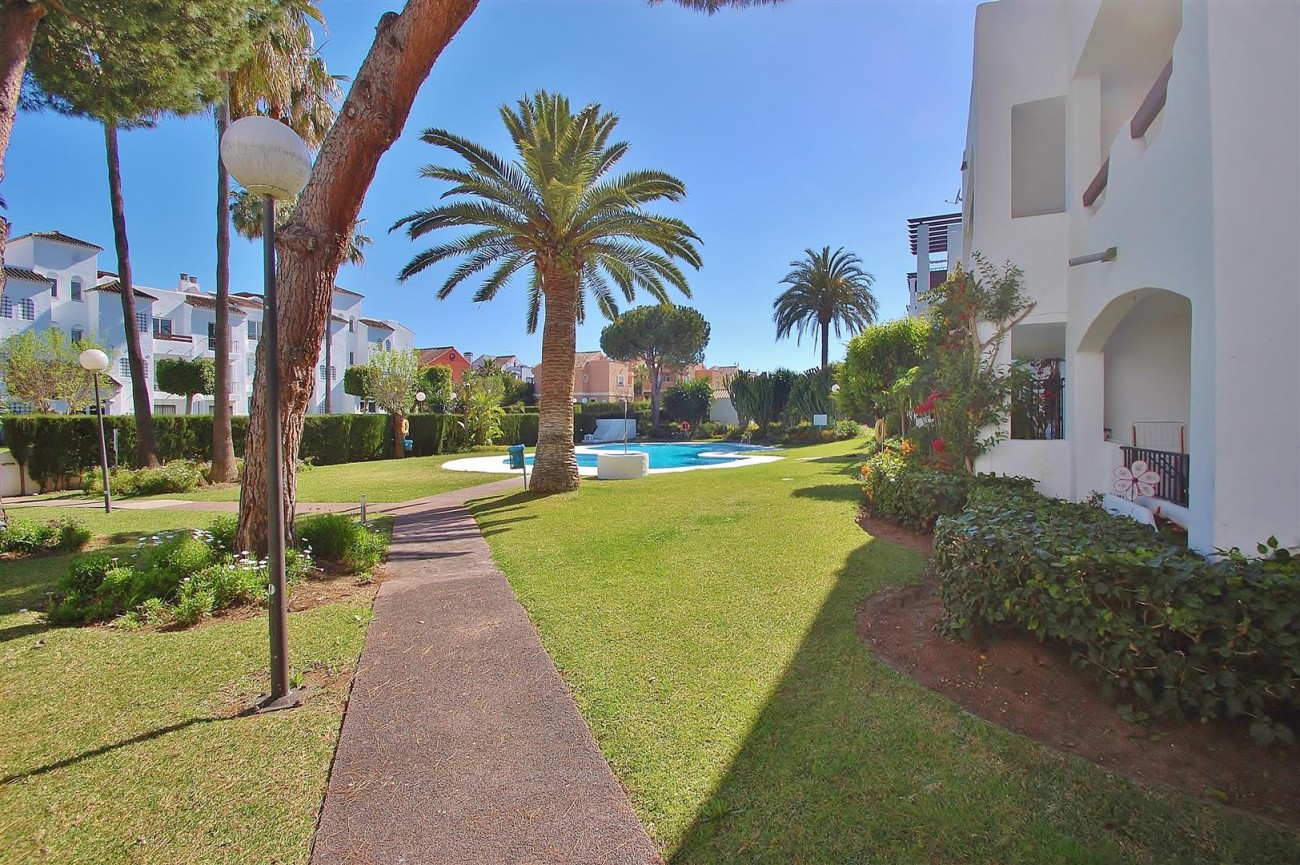 A5616 Beachside ground floor apartment Estepona 11 (Large)