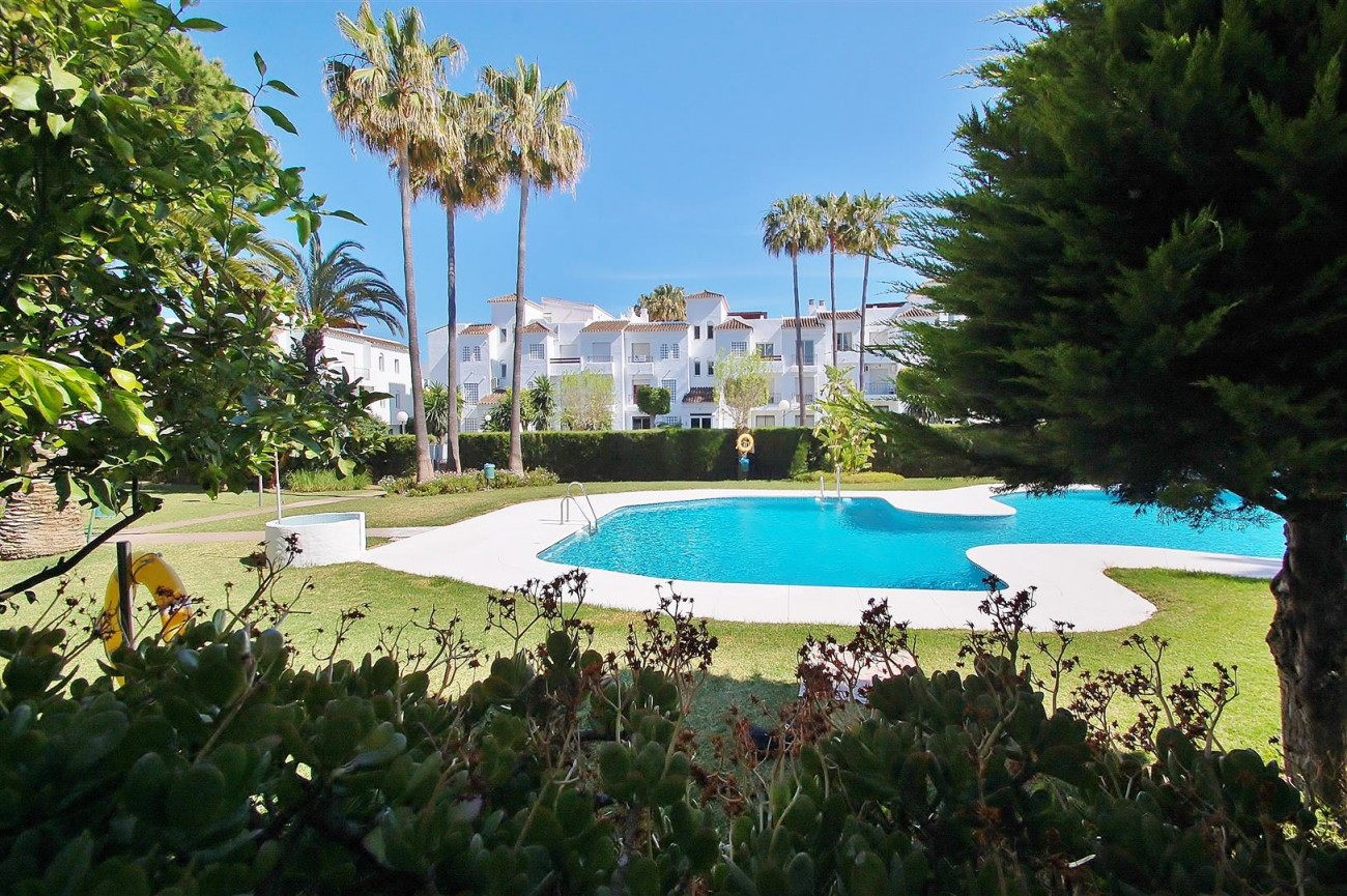 A5616 Beachside ground floor apartment Estepona 14 (Large)