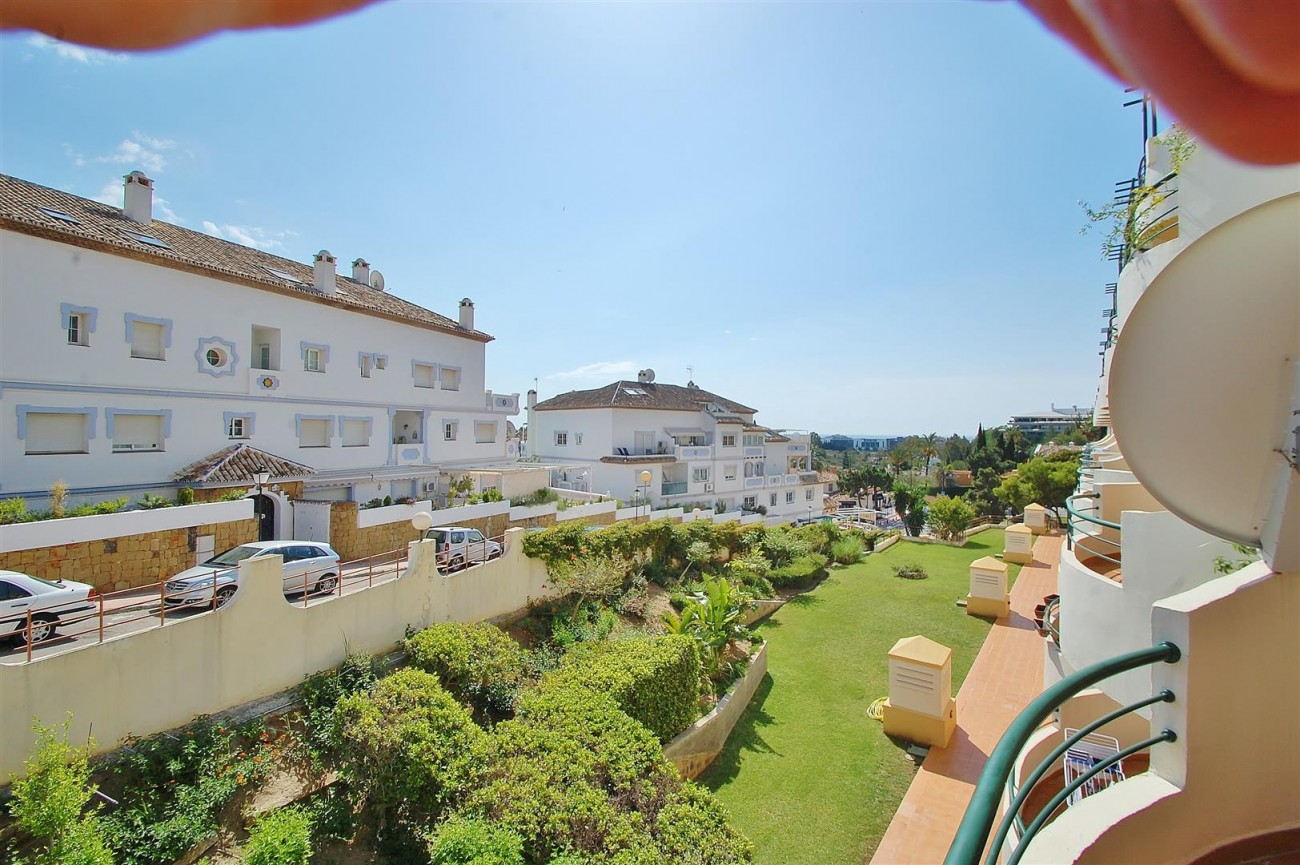 A5622 Spacious apartment close to Puerto Banus 4 (Large)