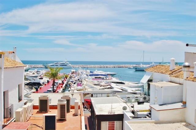 Apartment for Rent - 3.000€/week - Puerto Banús, Costa del Sol - Ref: 5623