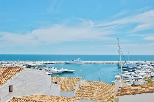 Penthouse for Rent - 3.000€/week - Puerto Banús, Costa del Sol - Ref: 5624