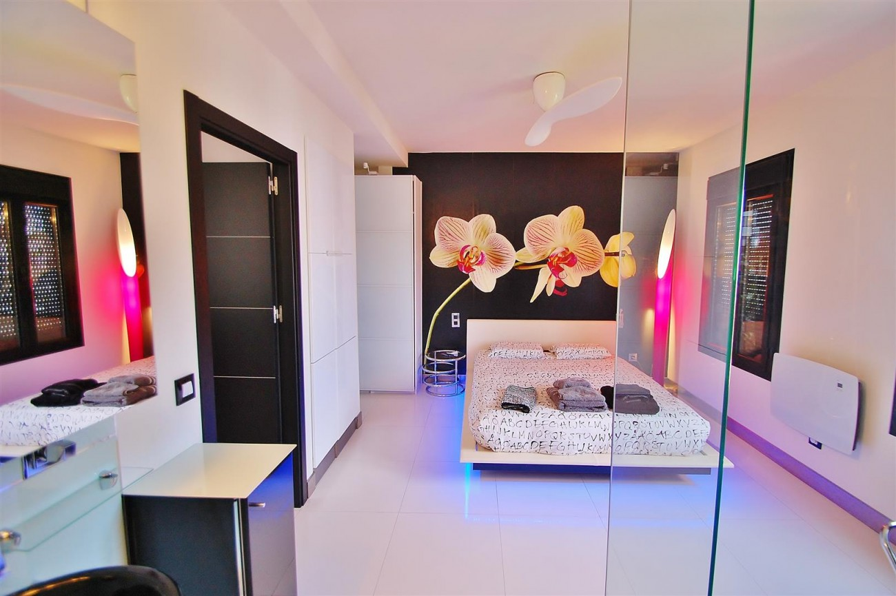 A5624 Totally renovated penthouse Puerto Banus 12 (Large)