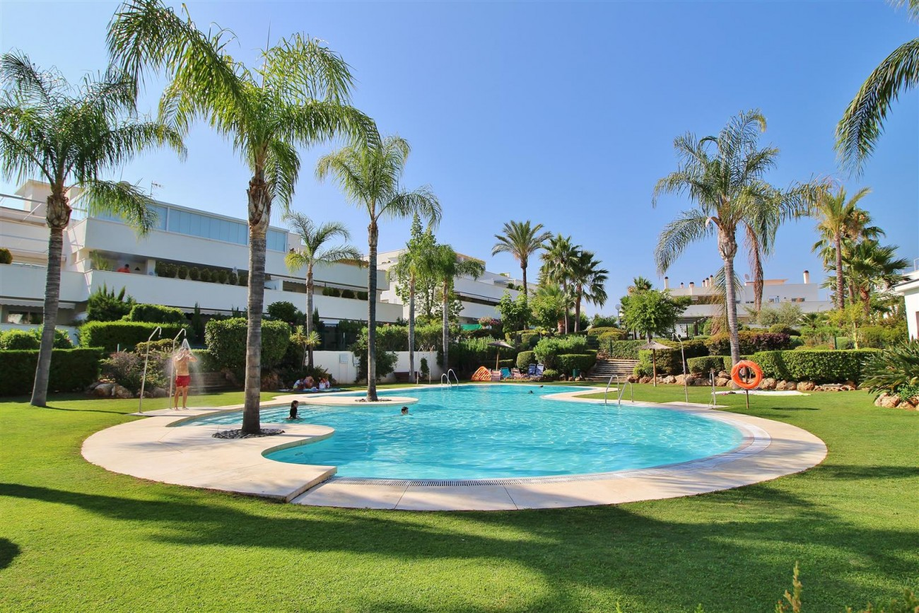 Apartment for sale Puerto Banus Marbella Spain (2) (Large)