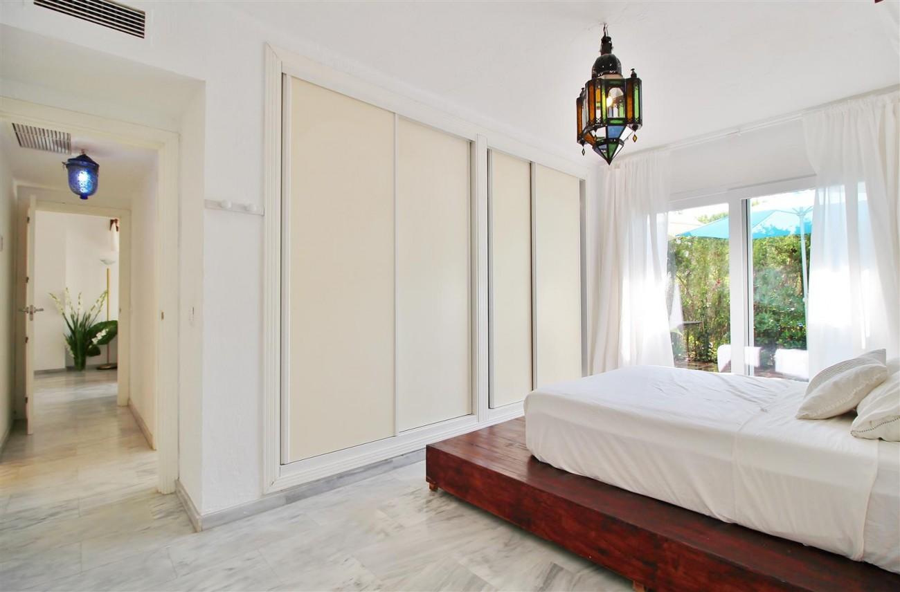 Apartment for sale Puerto Banus Marbella Spain (13) (Large)