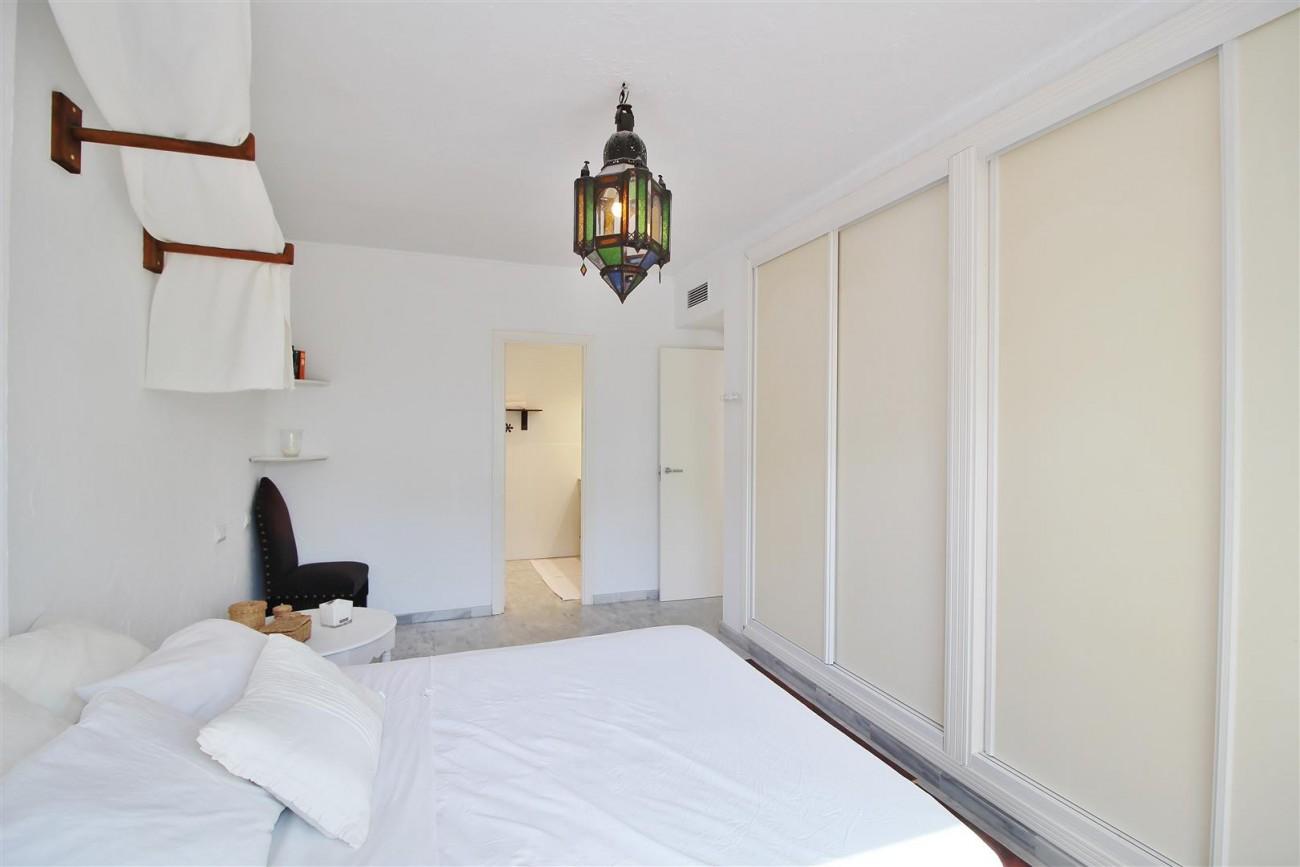 Apartment for sale Puerto Banus Marbella Spain (14) (Large)