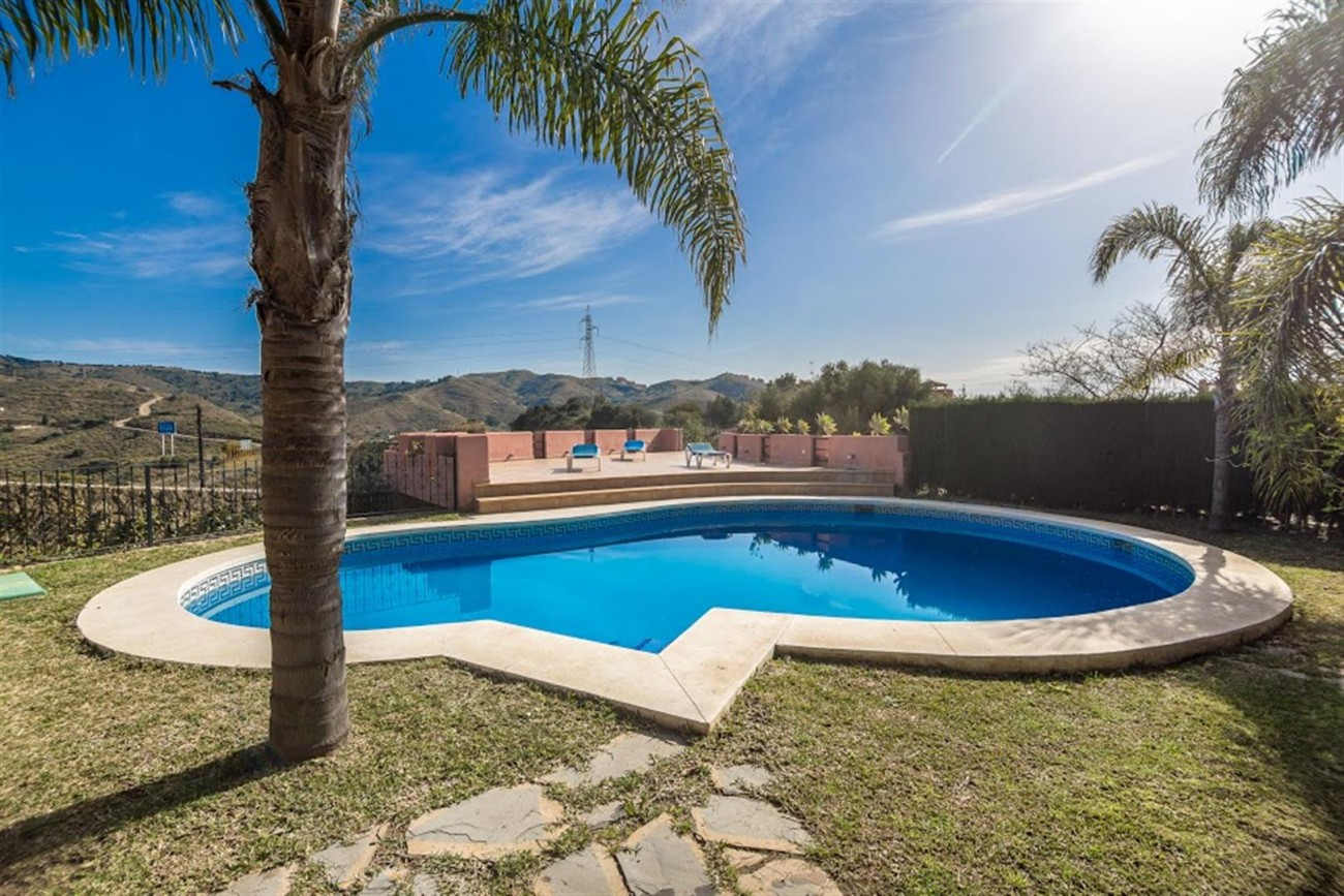 V5631 Luxury villa East of Marbella 3 (Large)