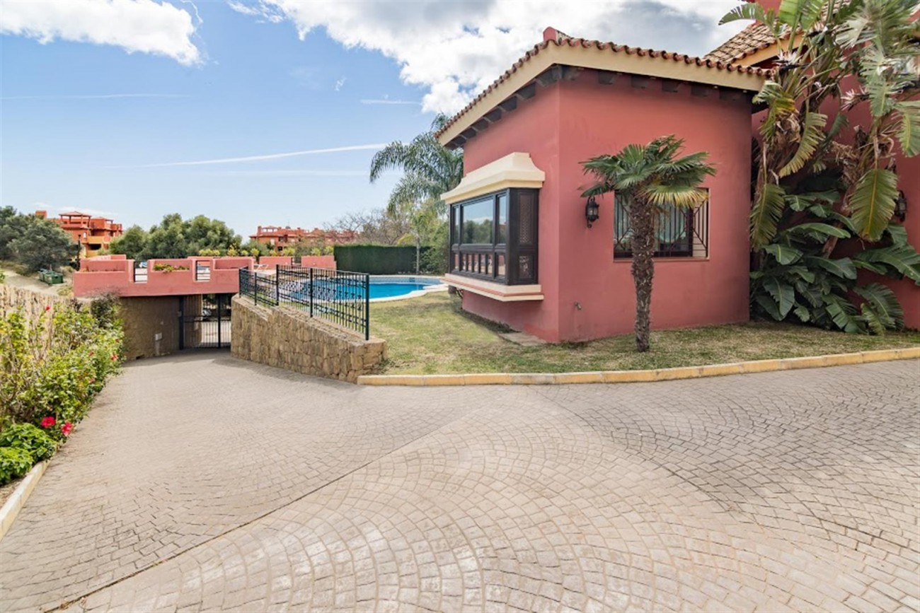 V5631 Luxury villa East of Marbella 12 (Large)