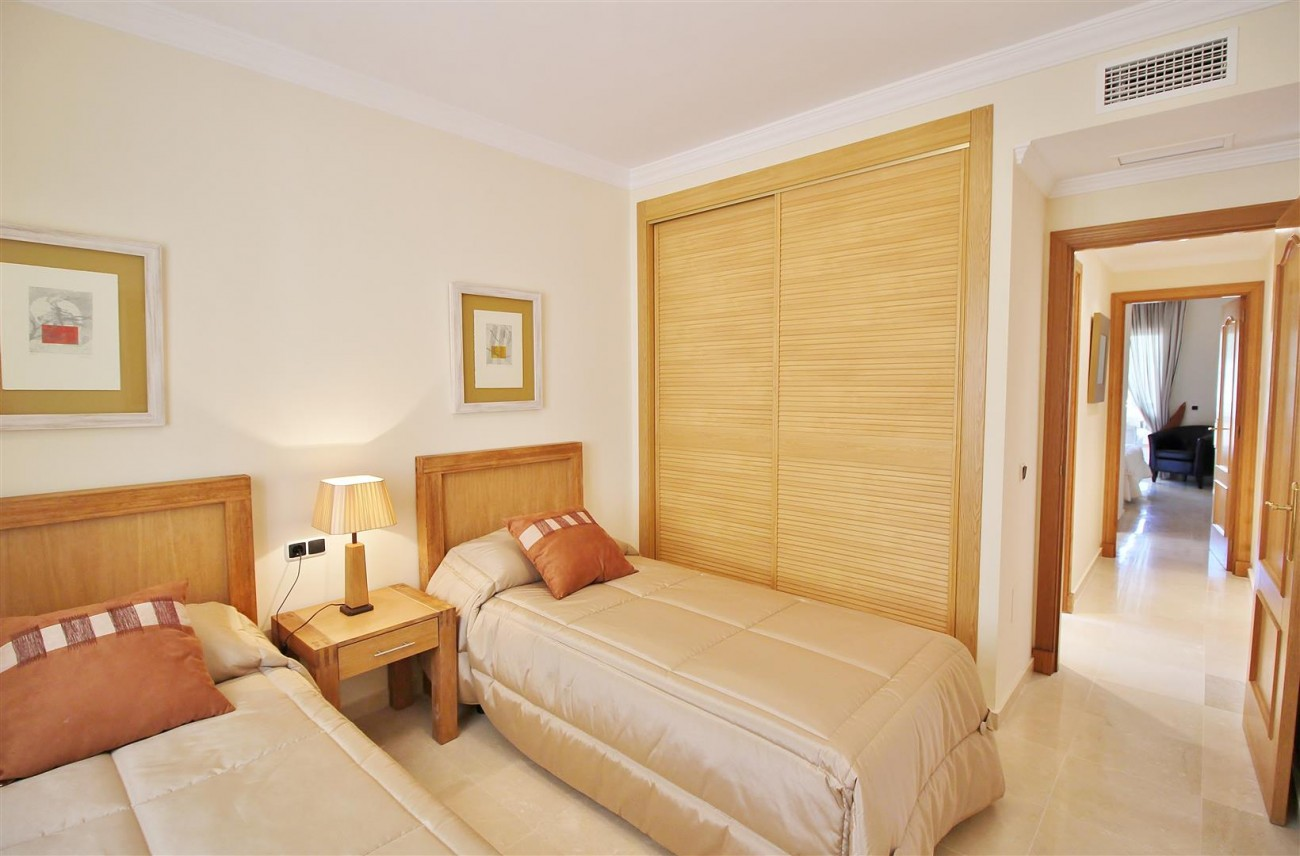 A5633 Beachside apartment Elviria 9 (Large)