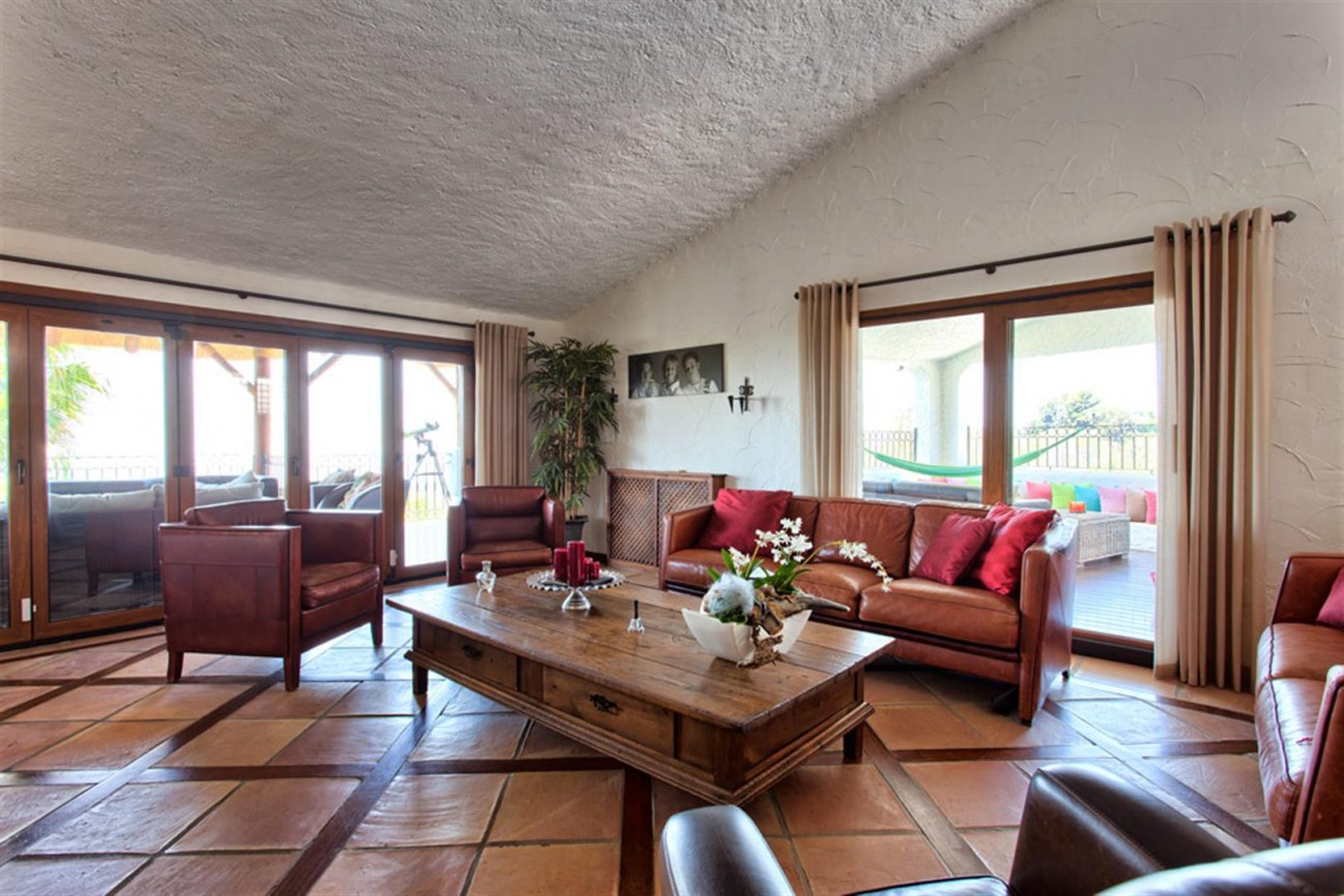 V5637 Villa in Mijas 2 (Large)