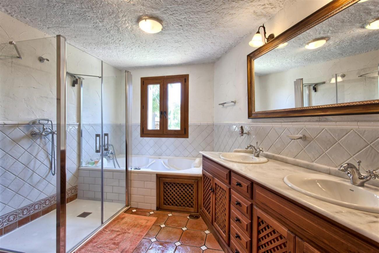 V5637 Villa in Mijas 17 (Large)