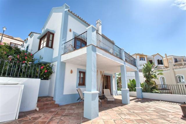 Townhouse for Sale - 435.000€ - Benahavís, Costa del Sol - Ref: 5639