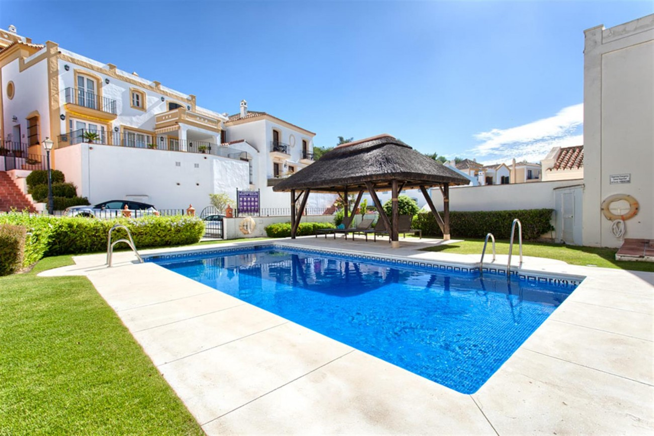 TH5639 Townhouse in Benahavis 9 (Large)