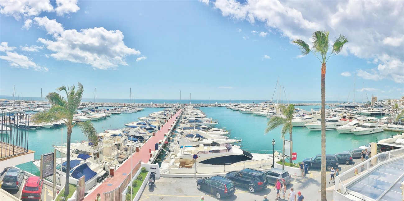 Frontline Puerto Banus Penthouse For Sale Marbella Spain (3)