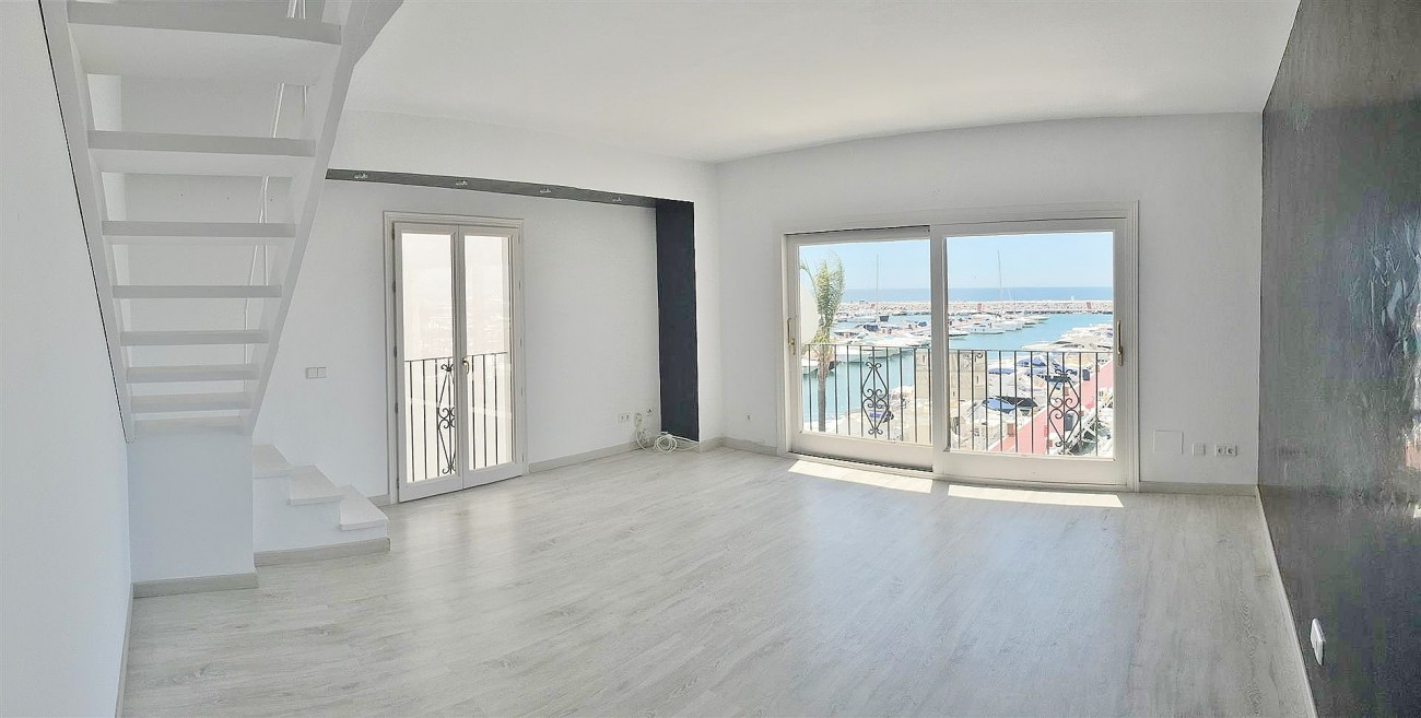 Frontline Puerto Banus Penthouse For Sale Marbella Spain (5)