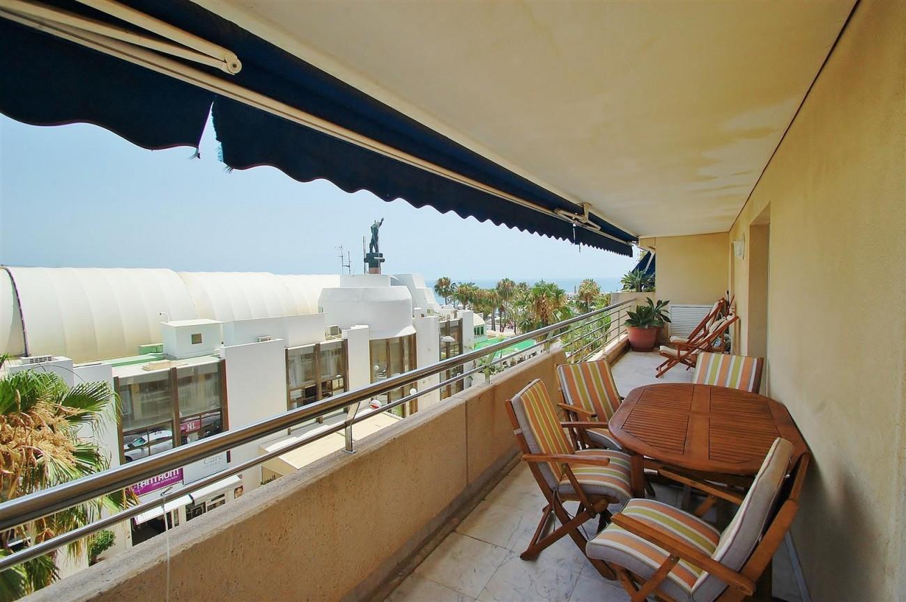 A5649 Apartment for sale Puerto Banus Marbella Spain (1) (Large)
