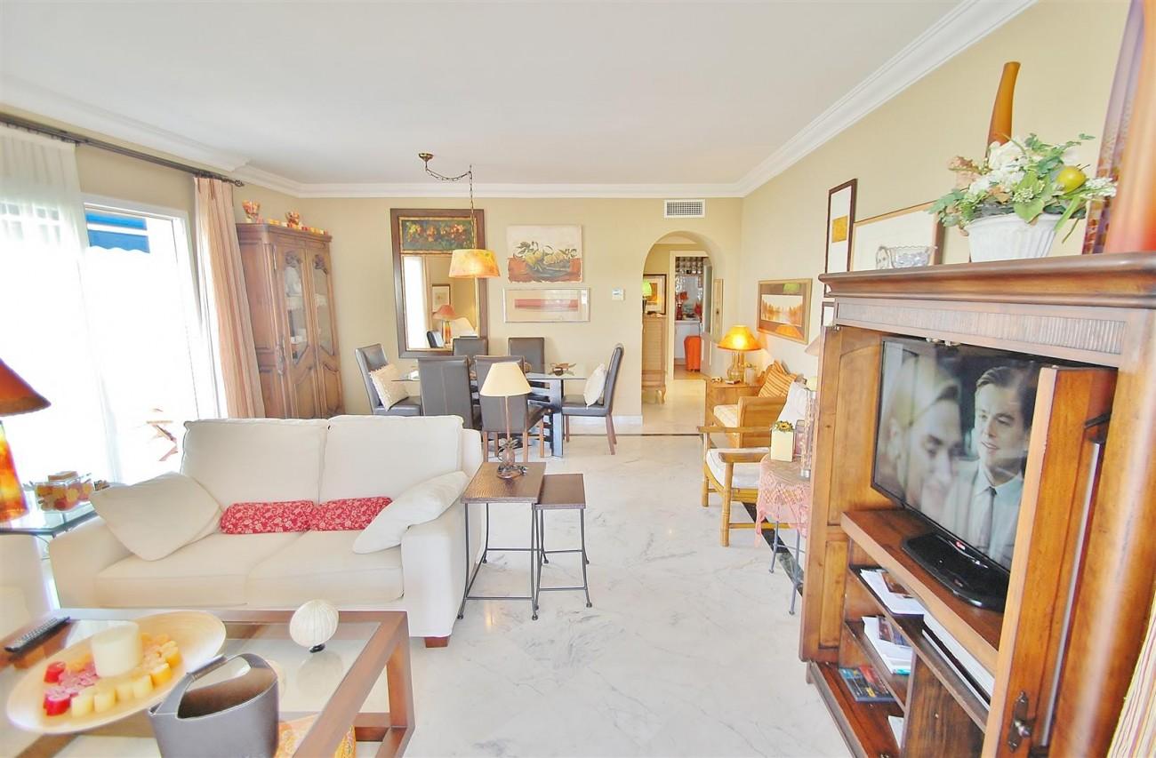 A5649 Apartment for sale Puerto Banus Marbella Spain (6) (Large)